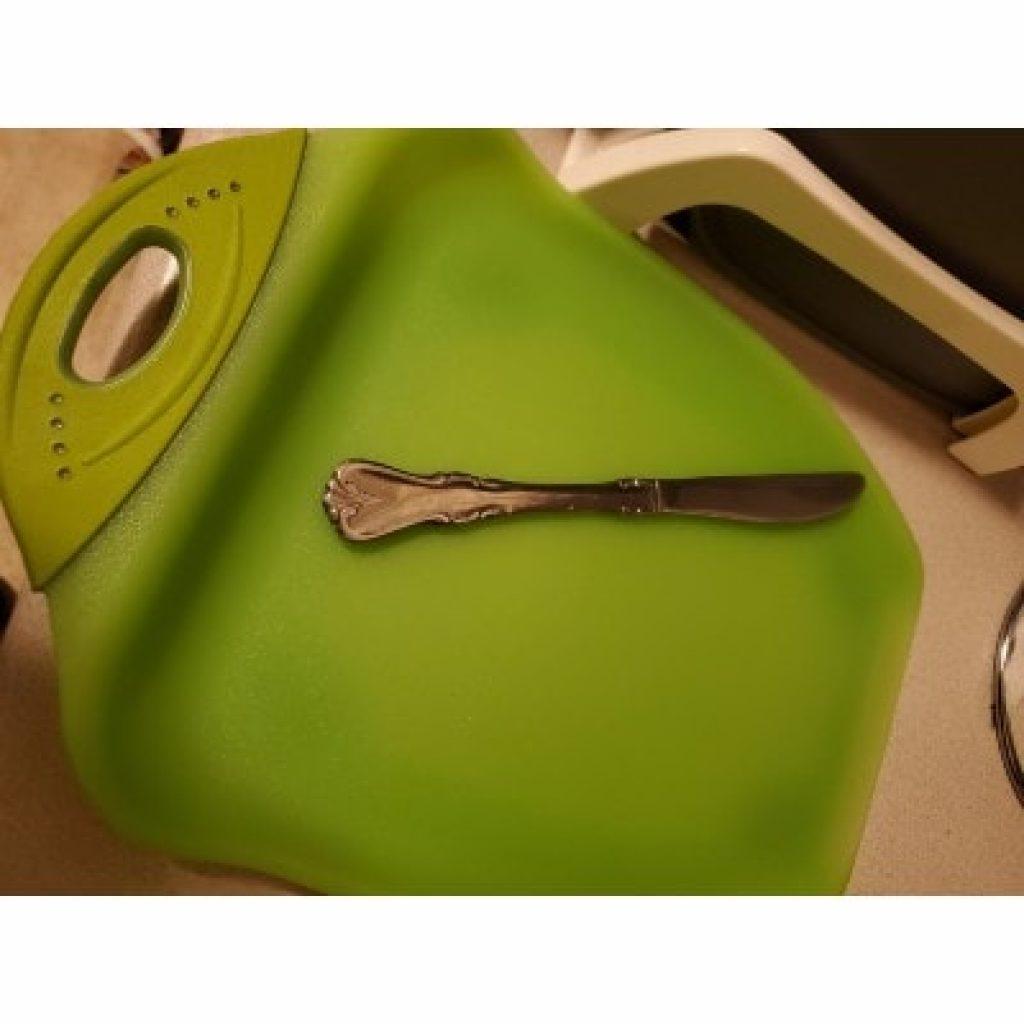 Dexas Chop & Scoop Cutting Board