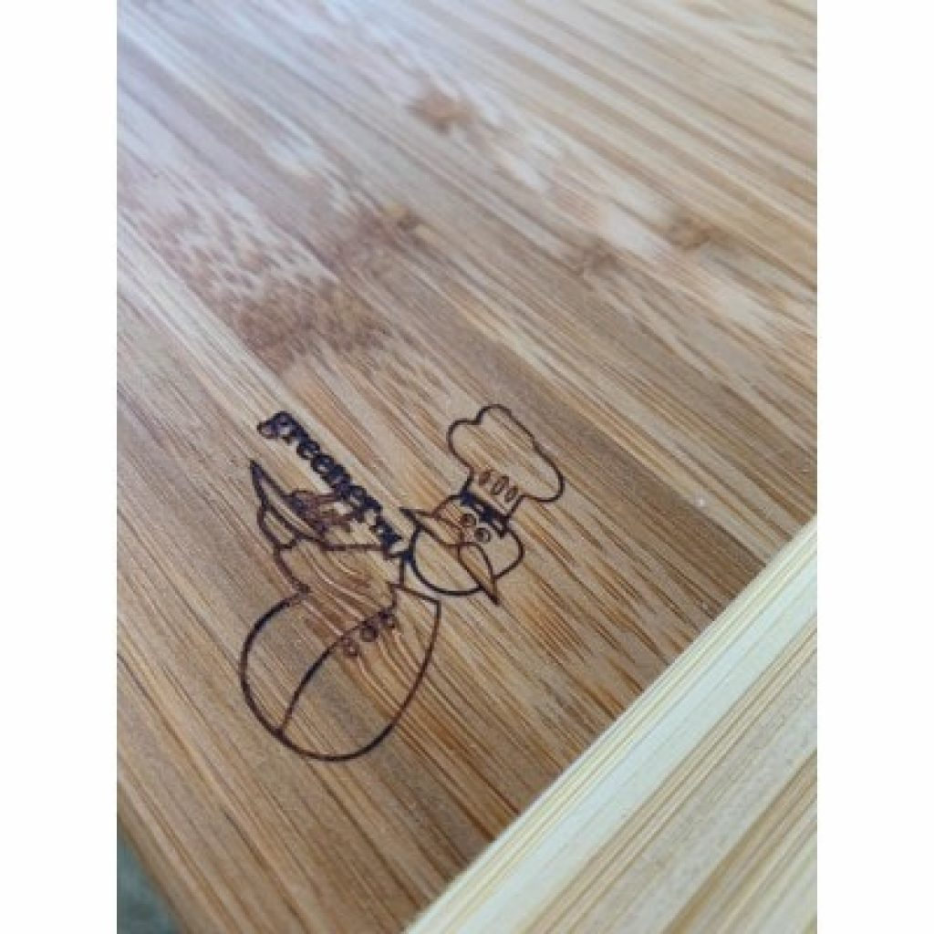 Greener Chef Extra Large Bamboo Cutting Board, close view of the logo