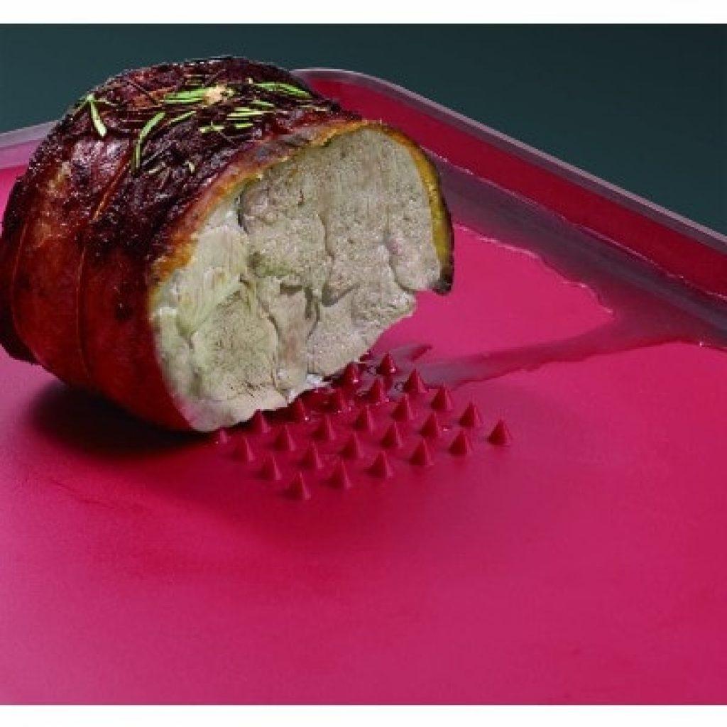 Joseph Joseph 60002 Cut & Carve Multi-Function Cutting Board with meat on it