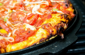 How to Clean Pizza Stone: A Step-by-step Guide