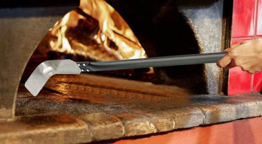 How to Clean a Pizza Oven Thoroughly
